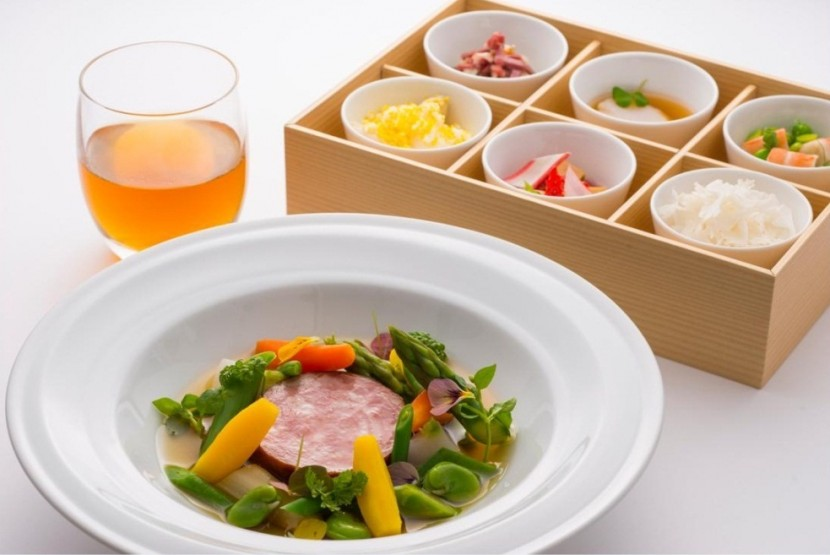 JAL inflight food takes off with enhanced meals with restaurant in the sky