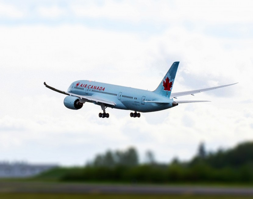 The first Air Canada 787 Dreamliner takes to the air