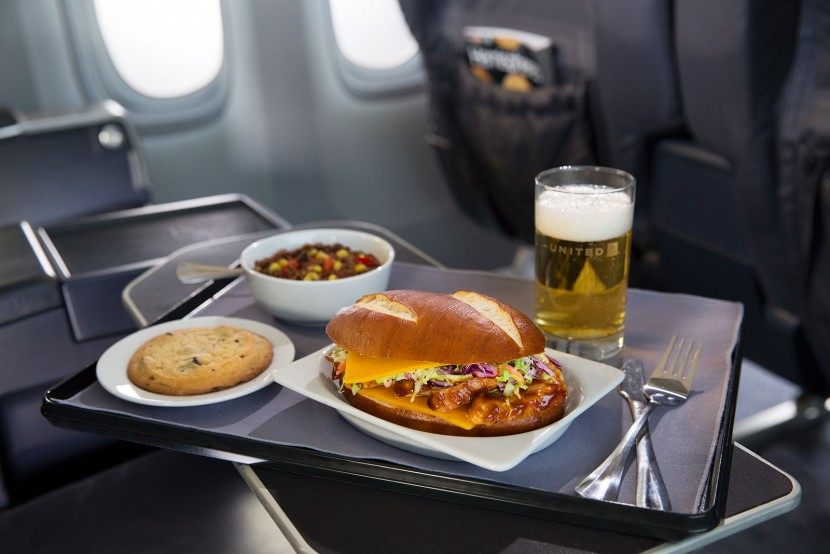 United introduces new airline food menu for United Express Premium cabins