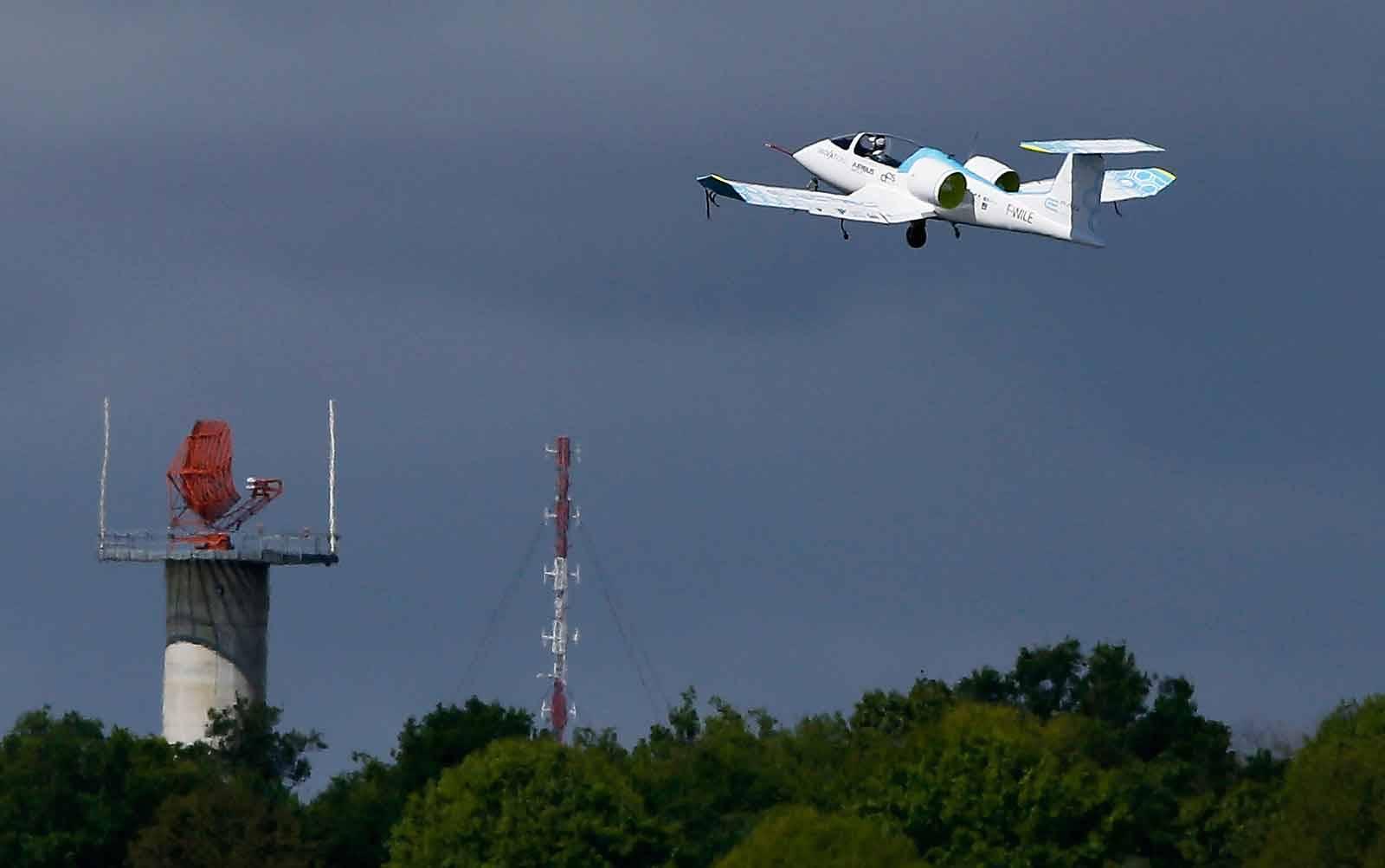 E-Fan Electric Plane Flying