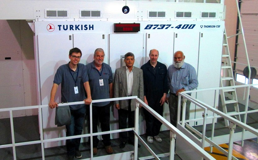 Cardiff Aviation team move 737-400 flight sim from Istanbul to Karachi