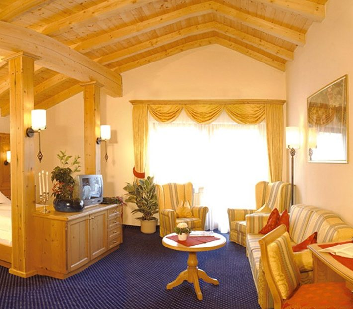 Plunhof Hotel Room Suite