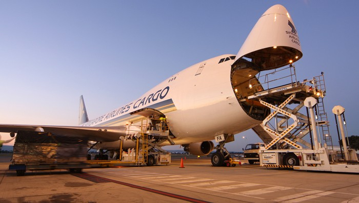 Singapore Airlines Cargo to moth-ball Boeing 747-400 freighter aircraft