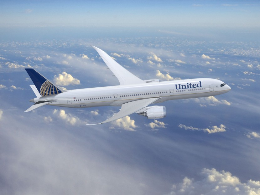 United Airlines get their 787 back in the air